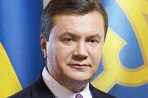 """Янукович подписал """"евроинтеграционный"""" закон о выборах"""