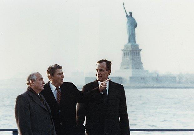 Встреча Президента СССР Михаила Горбачева с президентом США Рональдом Рейганом и вице-президентом Джорджем Бушем в Нью-Йорке, 7 декабря 1988 года