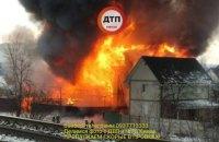 На Русановских садах в Киеве сгорела СТО (обновлено)