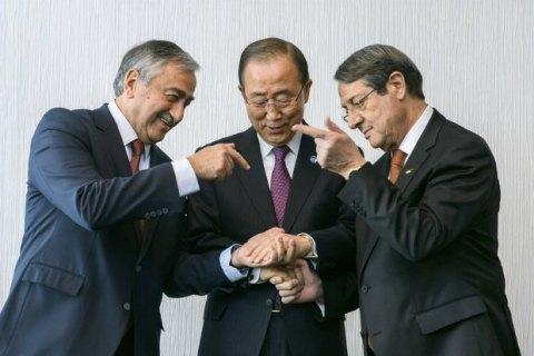 Переговори про об'єднання Кіпру відклали на тиждень