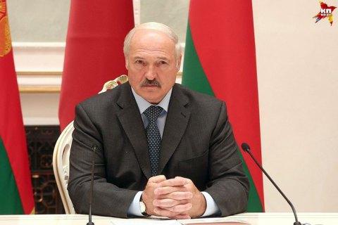 Лукашенко запропонував на час канікул відправляти студентів в армію
