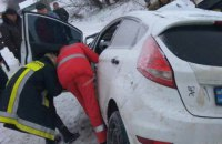 У ДТП з маршруткою на трасі Київ - Чоп постраждали 12 осіб, загинула дитина