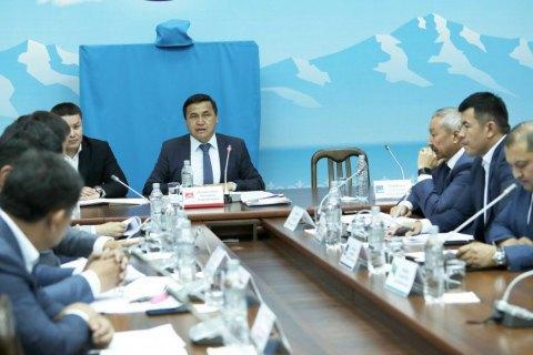 У Киргизії збираються зняти недоторканність з екс-президента Атамбаєва