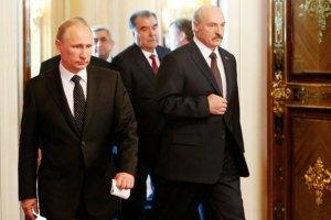 Лукашенко обговорить з Путіним свій візит до Києва