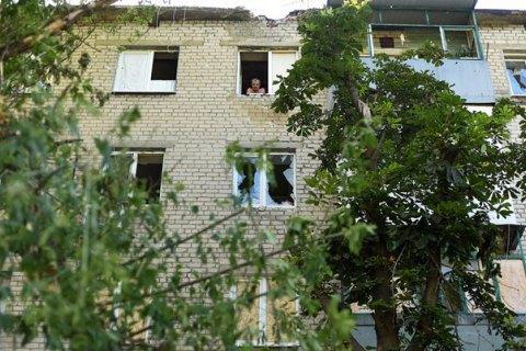 У Станиці Луганській внаслідок обстрілу перебита газова труба, поранені місцева мешканка і військовий