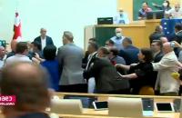 У парламенті Грузії сталися сутички через смерть журналіста