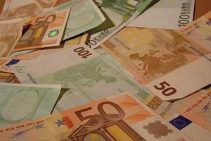 Баррозу: европейская валютная система под угрозой