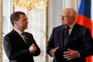 Чехия предлагает России перевести резервы в кроны