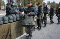 Яценюк закликав добровольців вступати на службу в Національну гвардію і ЗСУ
