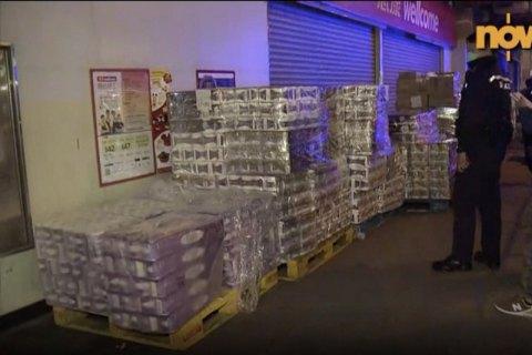 Злоумышленники украли 600 рулонов туалетной бумаги— Паника вГонконге