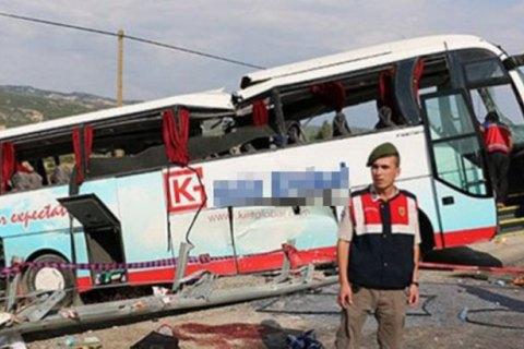 У Туреччині в ДТП потрапив автобус з туристами: четверо загиблих