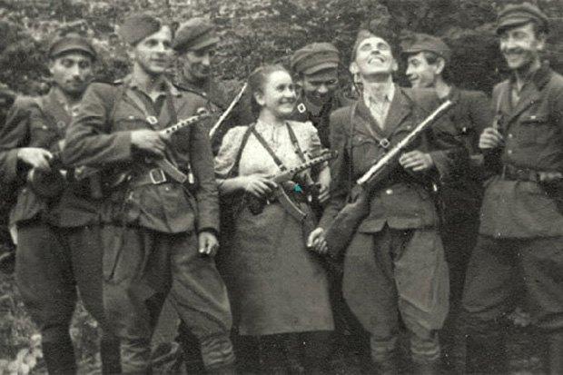 Жінка-боєць в рядах УПА