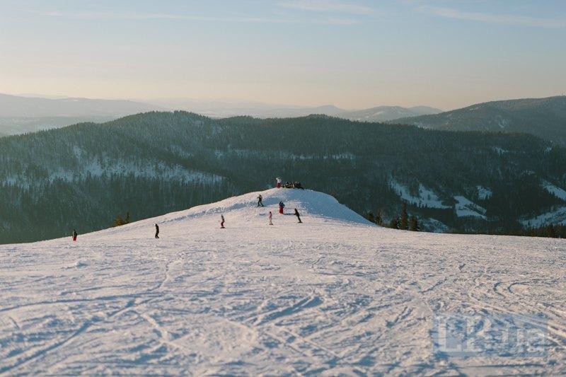 Туристи на горі Високий Верх