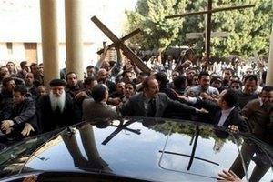 В Египте продолжаются стычки между мусульманами и христианами