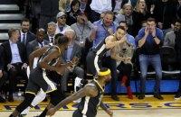Головний тренер клубу НБА в нападі люті на рефері розбив свій планшет об паркет