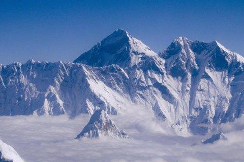 На Эвересте впервые в этом году погибли альпинисты