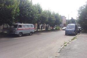 Из-за сообщения о минировании 5-этажного дома в Житомире перекрыта улица