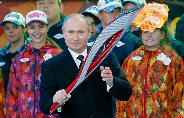 Олимпийский факел не погас разве что в руках президента России. За время эстафеты олимпийского огня конфуз случился более 100 раз
