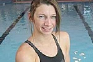 Новый мировой рекорд в плавании установила 15-летняя канадка
