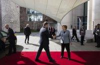 Порошенко провел переговоры с Меркель (обновлено)