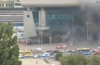 Южный вокзал в Киеве окутал дым из-за пожара в киоске