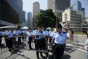 Большинство демонстрантов в Гонконге покинули баррикады
