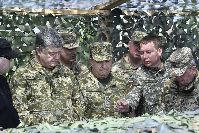 Порошенко желает поставить украинские ракеты насерийное производство