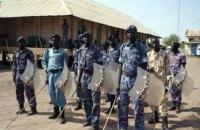 В Судане полиция использовала слезоточивый газ и дубинки в отношении протестующих против роста стоимости жизни