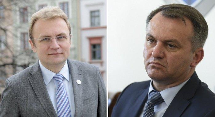 Андрій Садовий vs Олег Синютка (справа)