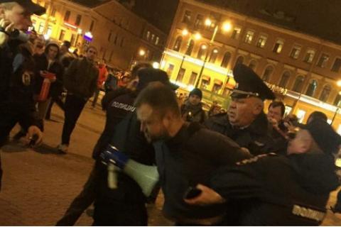 На акциях сторонников Навального в России задержали более 260 человек