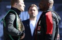 Поветкин и Уайт провели финальную битву взглядов перед боем за пояс временного чемпиона WBC