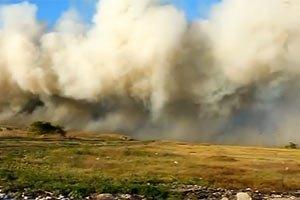 МНС бореться з пожежею на звалищі в Новомосковську