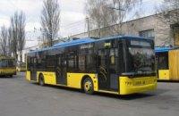 В Киеве водитель троллейбуса наехал на пешехода и скрылся