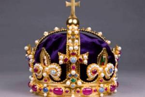 У Британії відтворили корону Генріха VIII