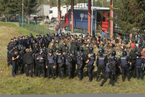 Поліція затримала 40 невідомих у камуфляжі біля табору прихильників Саакашвілі