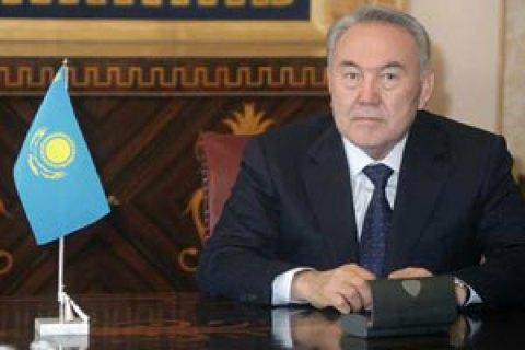 """Назарбаев отправил правительство Казахстана в отставку из-за """"неумения работать с населением"""""""
