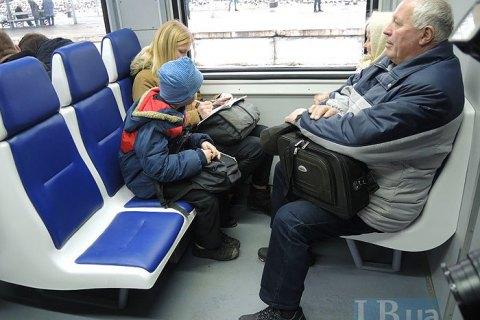 В Украине возобновили движение 439 пригородных поездов