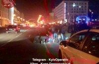 На Майдане Независимости в Киеве неизвестные ранили полицейского