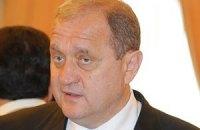 Могильов вимагає прибрати шлагбауми з кримських пляжів