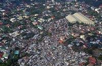 На Филиппинах самолет врезался в школу, есть жертвы