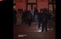 Поддерживающие блокадников активисты захватили Черновицкую ОГА
