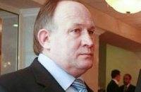 """Кандидат з Луганської області роздавав вагітним """"пакети для пологів"""""""