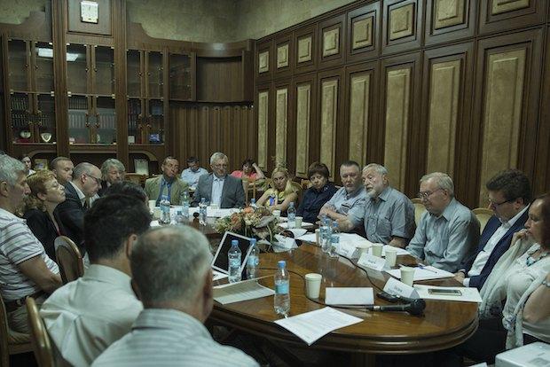 Фото с публичного слушания, которое проходило 5 июля