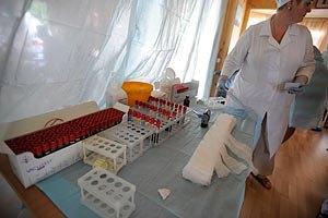 ВООЗ: лікарі заражають пацієнтів інфекціями