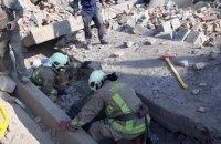 На Закарпатье во время демонтажа обрушился кинотеатр, погиб человек
