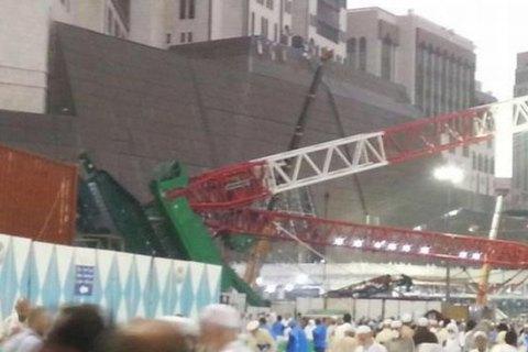 Украинские паломники не пострадали при падении крана на мечеть в Мекке