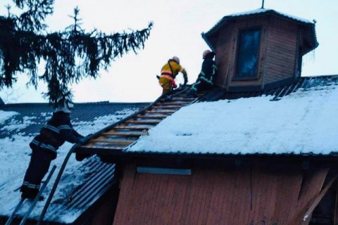 У дерев'яній каплиці у Стрию стався вибух, 62-річний чоловік отримав опіки обличчя