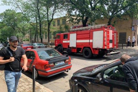 """Неизвестный сообщил о """"заминировании"""" 15 многоэтажных домов и 6 больниц"""