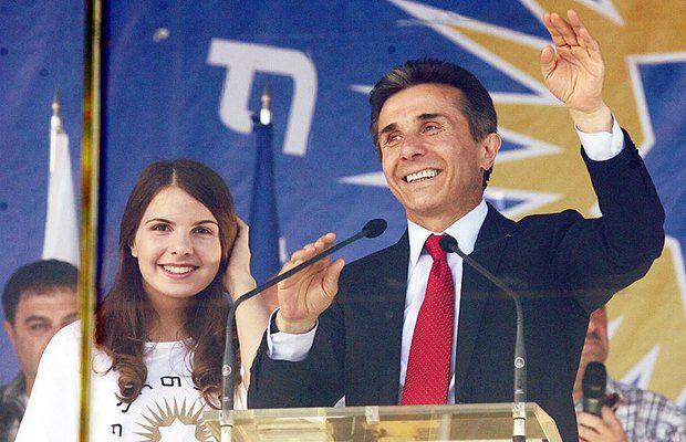 Грузинский миллиардер Бидзина Иванишвили выступает на митинге в Тбилиси, Грузия, 29 сентября 2012