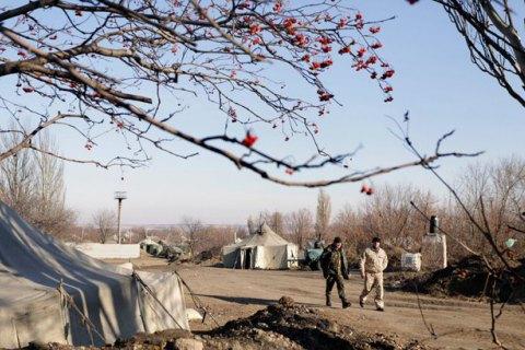 Боевики обстреляли окрестности Луганского, несмотря на праздничное перемирие